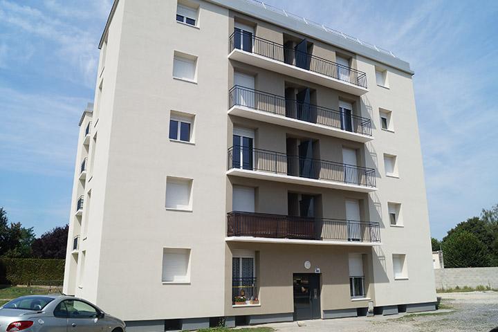 Villeneuve-SG rue J Zay et square J Moulin / 52 logements