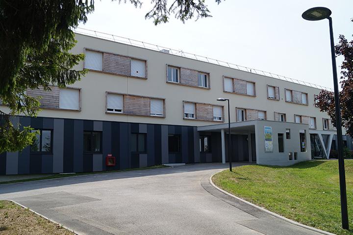 Tergnier 53 rue Anatole France / Centre d'habitat AEI - 40 logements